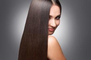 Ровные блестящие волосы