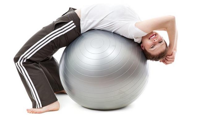 Занятия и упражнения с фитболом для похудения после родов