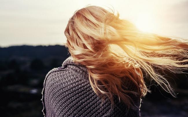 Когда перестают выпадать волосы после родов?