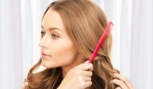 Расчесываем волосы