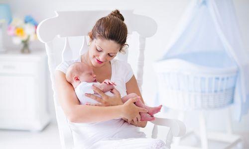 Новорожденный малыш