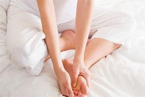 Отеки ног при беременности: причины и способы избавления