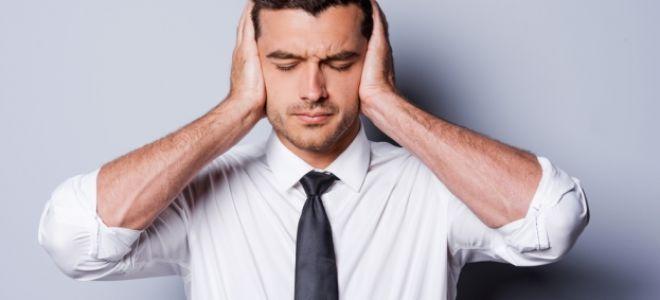 Щелкает в голове: причины, диагностика и лечение