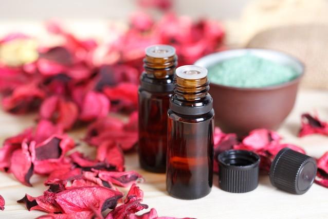 Эфирное масло дерева розового