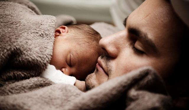Кризис после рождения ребенка. Как избежать развода?