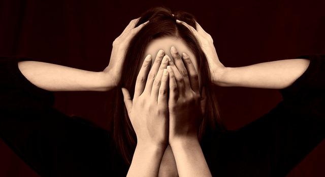 Как справиться с симптомами депрессии после родов у женщин?