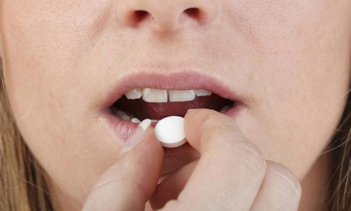 Таблетки Ремерона пьют, не разламывая и не разжевывая, запивая водой