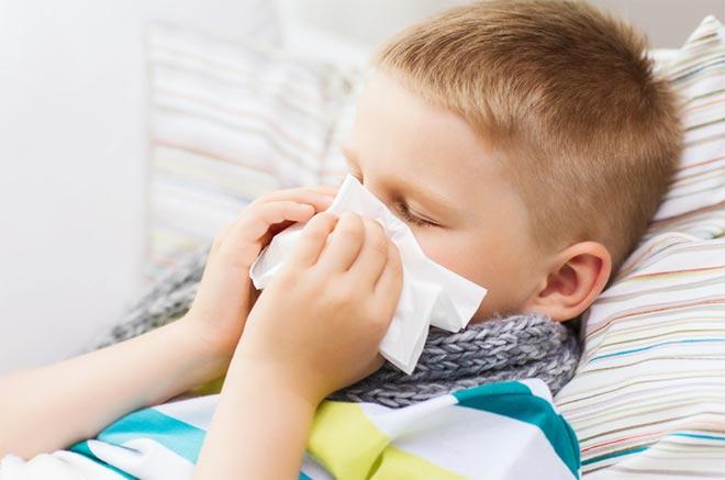 Острая респираторная вирусная инфекция у мальчика