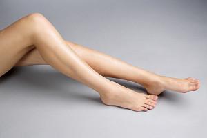 Усталость и отечность в ногах: причины, лечение, профилактика