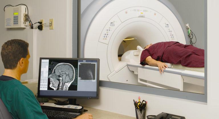 Инсульт правой стороны: последствия, лечение и сколько живут