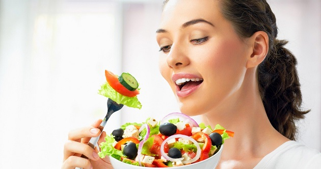 В чем причина головной боли после еды?