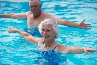 Почему болит голова после водных процедур?