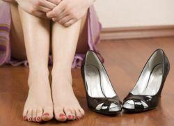 Ноги сильно отекают: почему это происходит и как избавиться от дискомфорта?