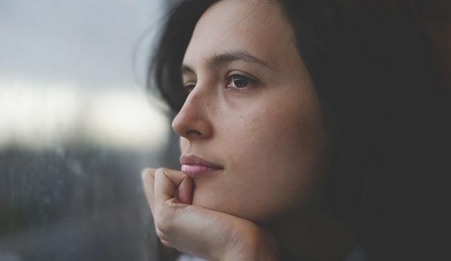 Появились прыщи на лице после родов: причины и как избавиться